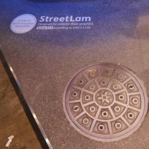 Vinilo-laminado-para-suelos-humedos-(exterior)-Streetlam